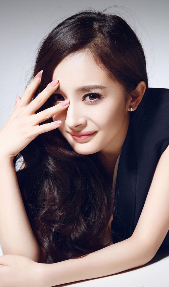 杨幂撩汉技巧大揭秘,怪不得那么多男星喜欢她!